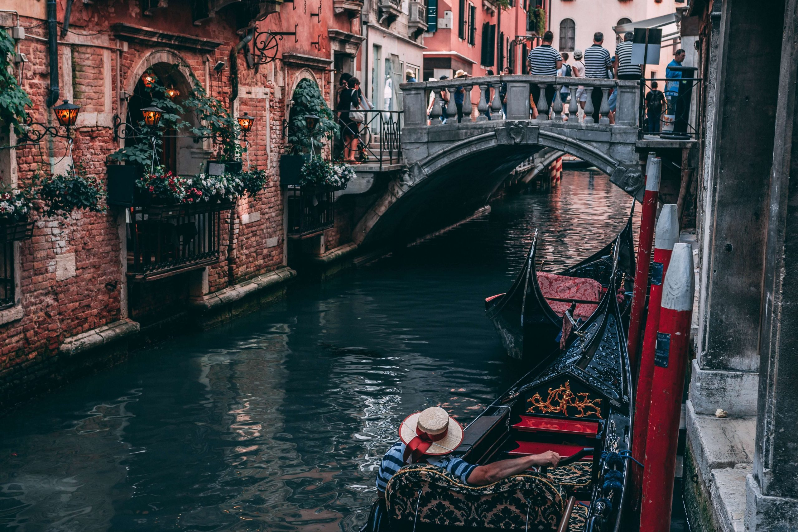 Veneto wines go excellently with a gondola trip in the heart of Venice. Find out more about this Italian wine region